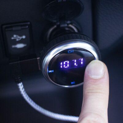 車内用トランスミッタ―システムとは?